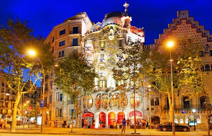 Barcelona lighting and lamps design